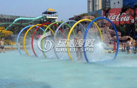 Colorful Rainning Gallery , Water Pool Water Play Aqua Park Equipment for kids